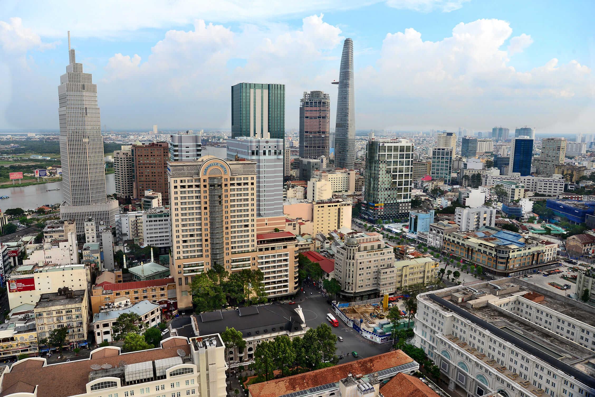 Kinh tế Thành phố Hồ Chí Minh, đặc biệt là các ngành công nghiệp, nông  nghiệp dịch vụ thương mại, thu hút vốn đầu tư nước ngoài… trong 8 tháng năm  nay ...